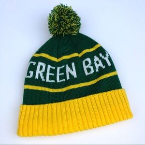 Other - Vintage Green Bay Packers football pom knit hat
